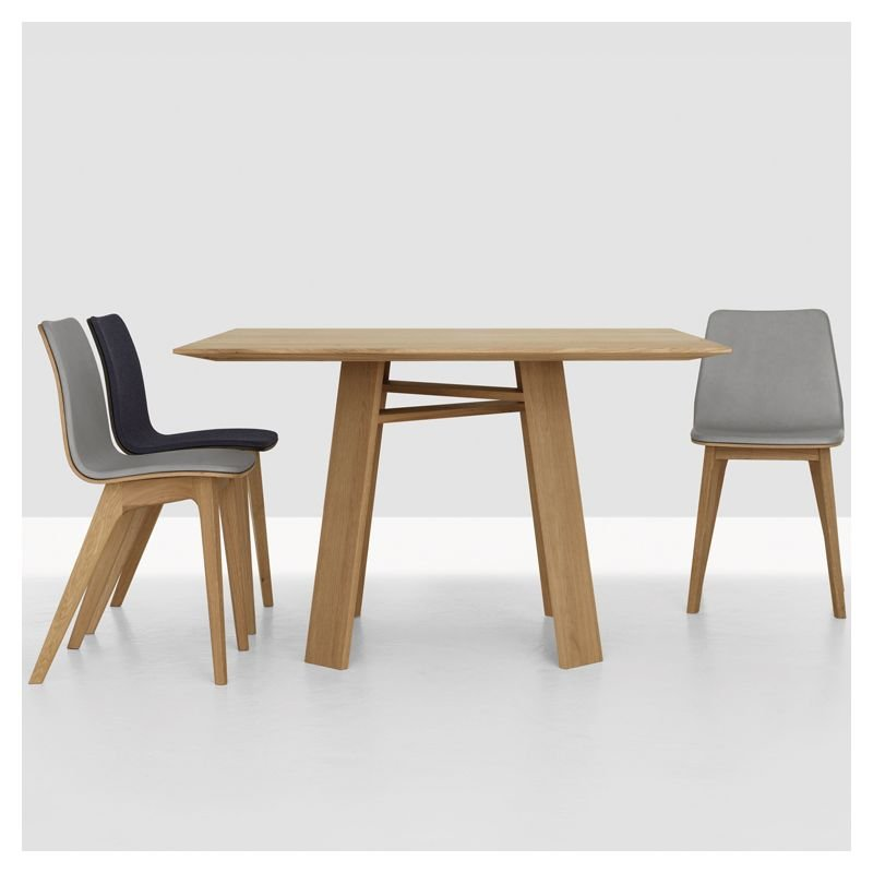 Bondt table design carr e bois massif zeitraum Table sejour carree