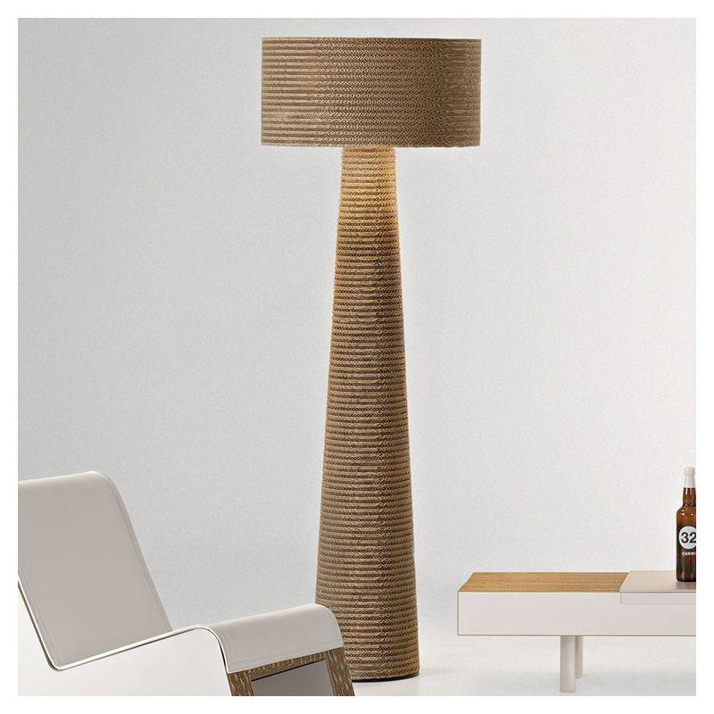 Misha lampe de sol co design en carton staygreen for Lampe de sol but
