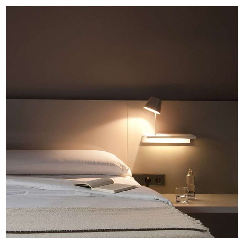 suite tag re lumineuse led avec lampe de lecture vibia. Black Bedroom Furniture Sets. Home Design Ideas