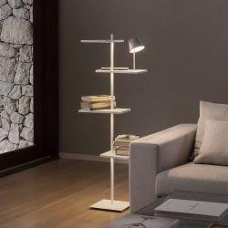 Lampe de sol étagère led 4 tablettes SUITE Vibia, avec lampe de lecture