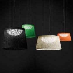 Suspensions outdoor WIND Vibia, modèles 60 x 48 et 60 x 30 cm, coloris noir, vert, blanc et orange
