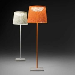 Lampadaires outdoor WIND Vibia blanc et orange