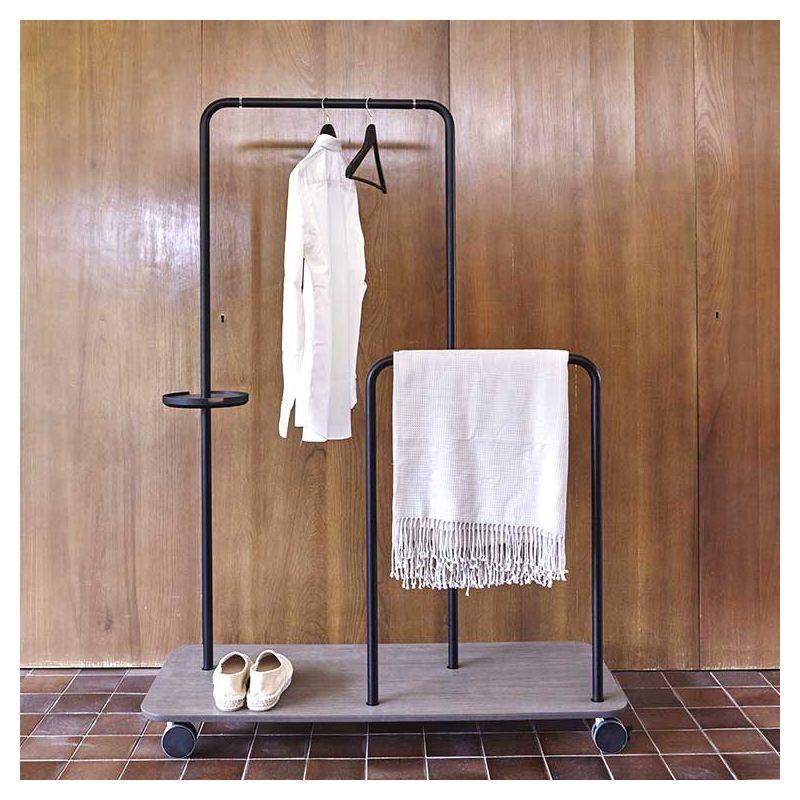 platel portant roulettes punt bois design note design. Black Bedroom Furniture Sets. Home Design Ideas