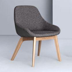 Fauteuil design chêne massif MORPH DINING Zeitraum, tissu grège medina 121 & cuir asphalte