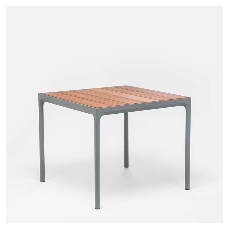 Four table d 39 ext rieur carr e houe bambou aluminium for Table carree exterieur aluminium