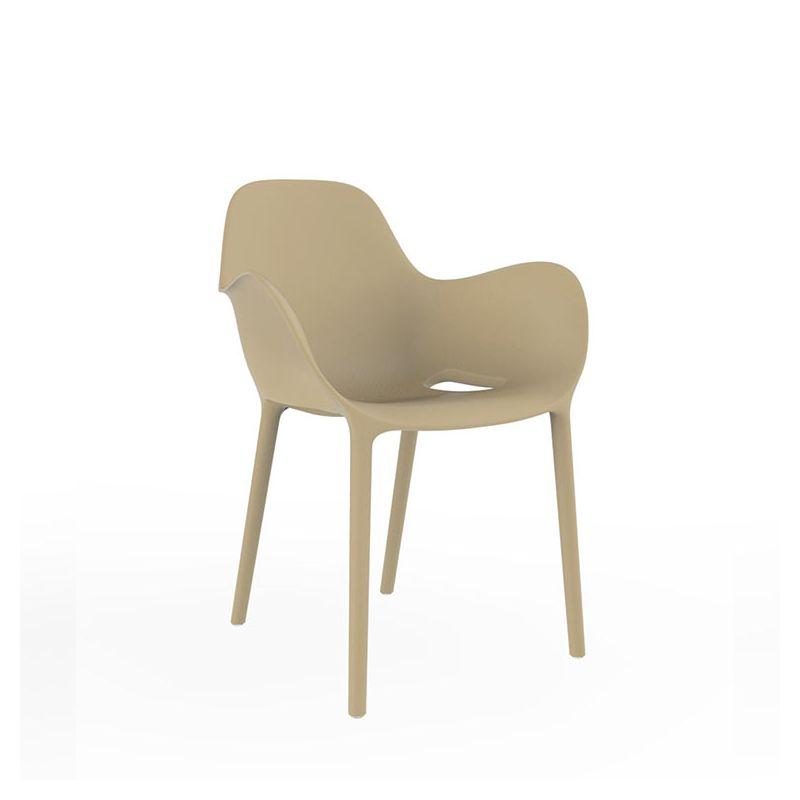 sabinas chaise de jardin accoudoirs vondom en r sine. Black Bedroom Furniture Sets. Home Design Ideas