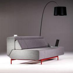 Canapé 3 places convertible PIL-LOW Prostoria, tissu gris, coutures et piètement rouges