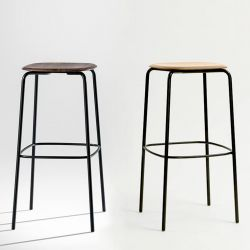 Tabourets de bar assise 80 cm OKITO STOOL Zeitraum, noyer américain et chêne massif