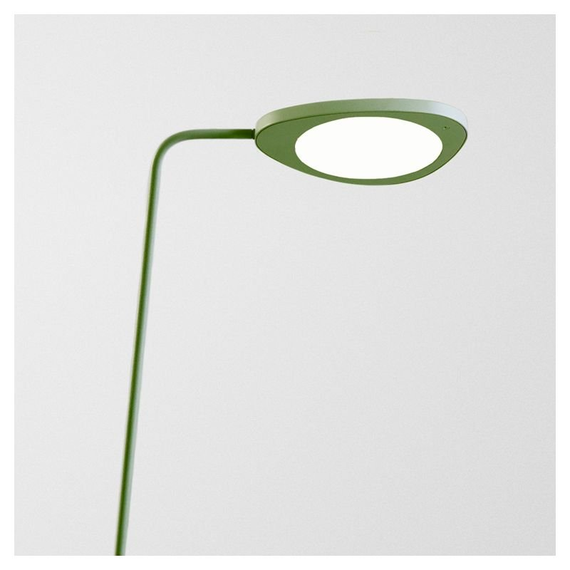 lampe de sol leaf lampadaire led muuto. Black Bedroom Furniture Sets. Home Design Ideas