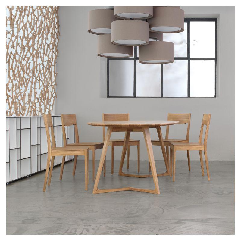 table de repas ovale design bois massif twist zeitraum. Black Bedroom Furniture Sets. Home Design Ideas