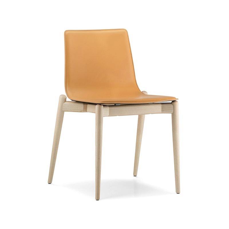 Malm 392 chaise bois cuir v ritable pedrali for Chaise pedrali