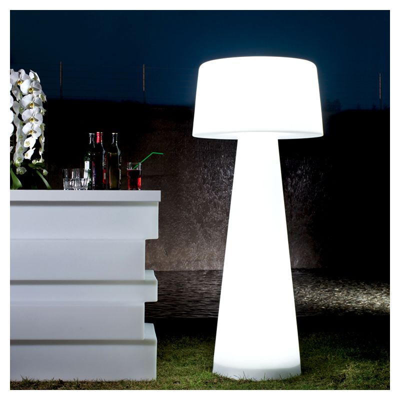 Lampadaire ext rieur design time out pedrali for Luminaire exterieur sol
