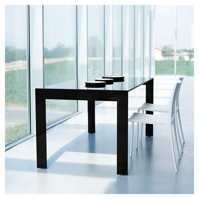 Matrix table extensible design pedrali verre bois for Table sejour verre extensible