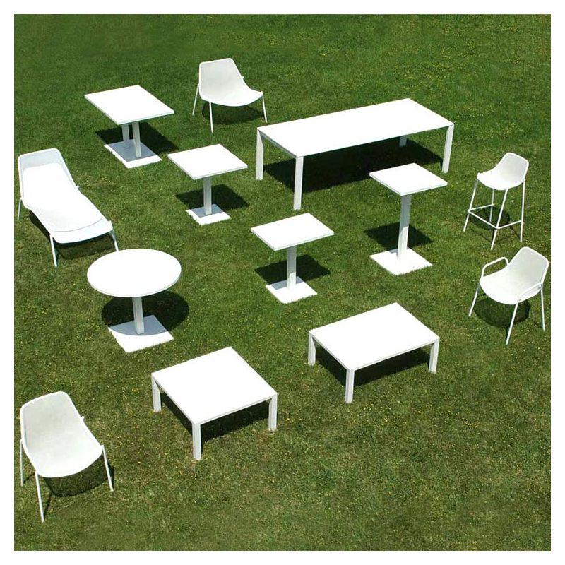 Round, table jardin ronde en métal Emu, pied central