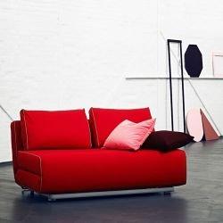Canapé lit rouge profond CITY Softline, position couchage