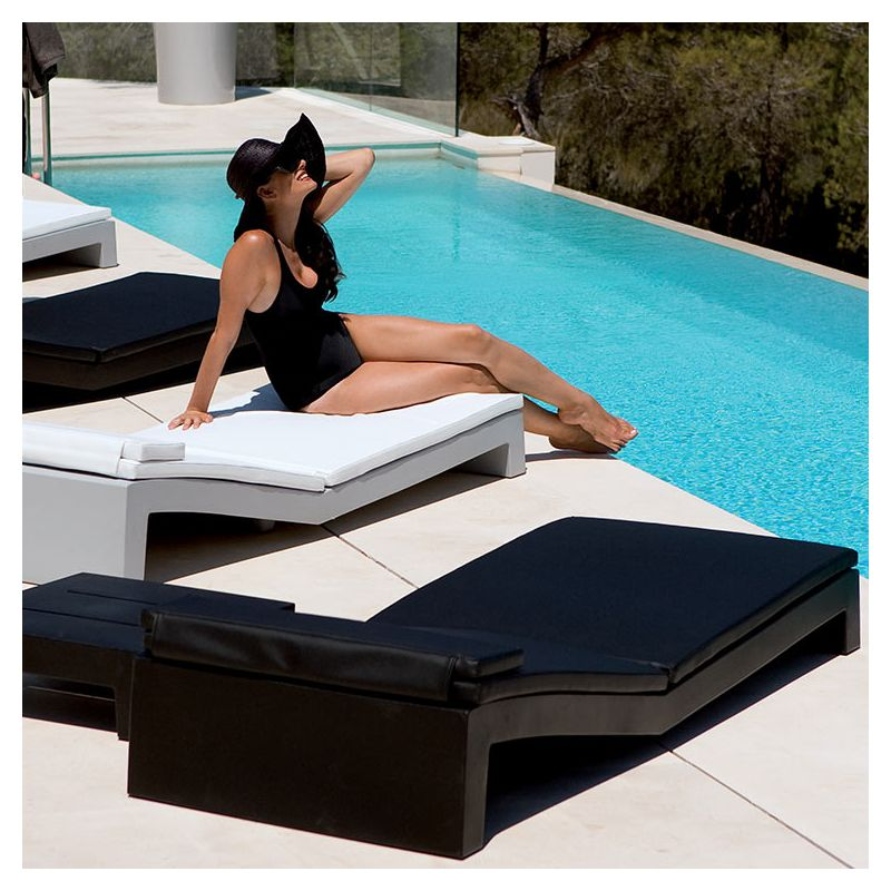 Jut bain de soleil design vondom transat moderne for Chaises longues design piscine