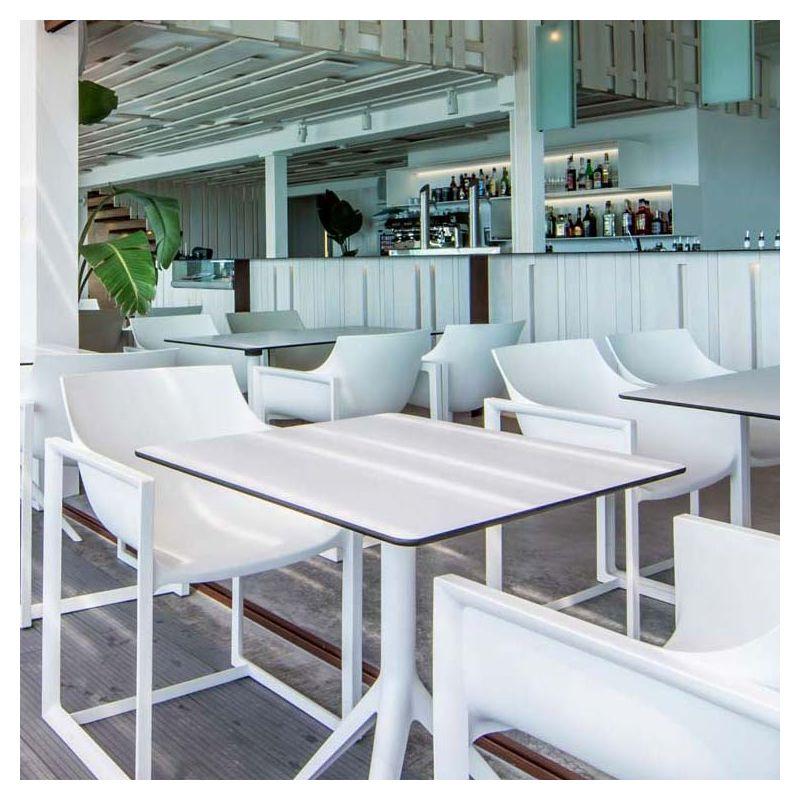 mari sol table design carr e pliante vondom. Black Bedroom Furniture Sets. Home Design Ideas