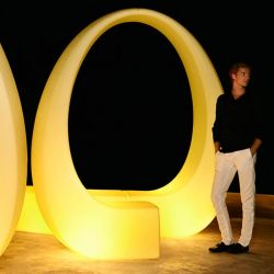 Banc arche lumineuse AND Vondom