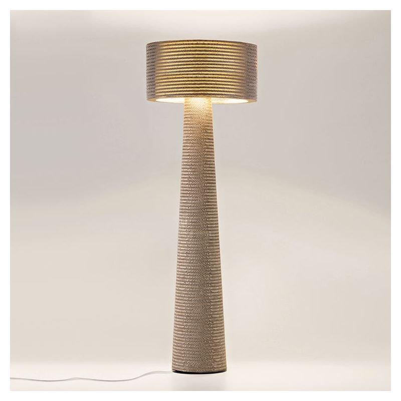 Lampe de sol éco-design en carton cannelé coloris kraft naturel MISHA Staygreen