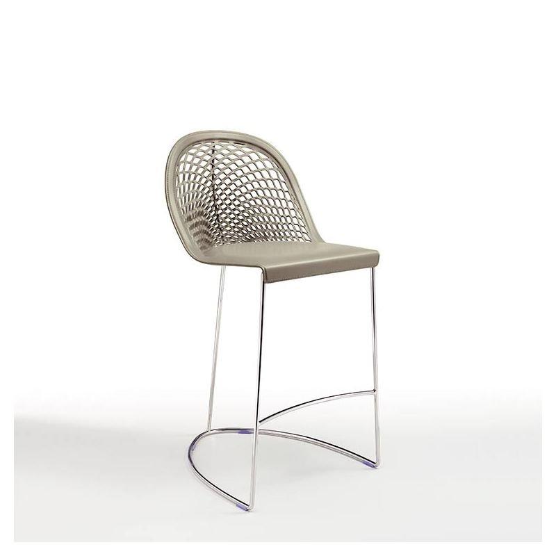 Chaise de bar en cuir et acier chromé GUAPA Midj, hauteur 65 cm, coloris Gris cendre U18