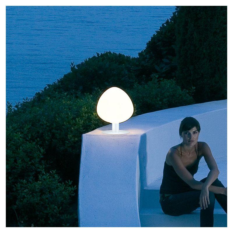 Lampe de sol outdoor TREE Vibia, hauteur 40 cm, pied blanc