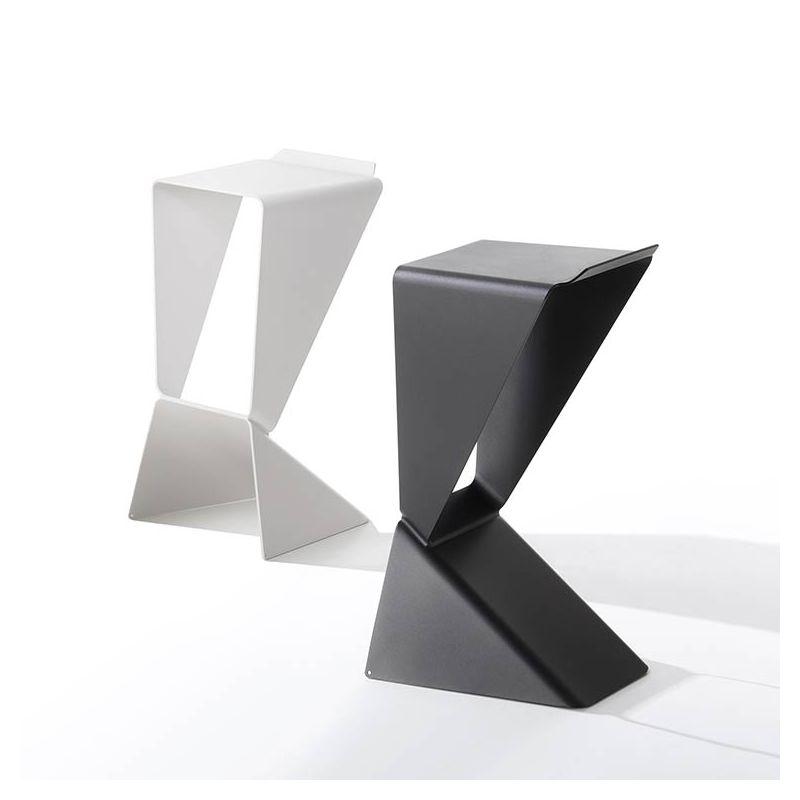 Tabourets de bar ICON B-Line, coloris noir et blanc