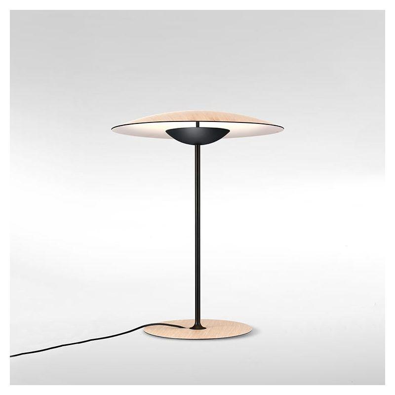 Lampe de table GINGER M Marset, finition chêne