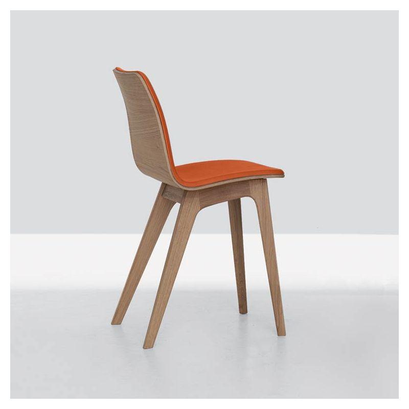 Chaise chêne massif MORPH Zeitraum, assise rembourrée cuir orange