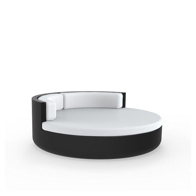 Daybed noir ULM Vondom Ø 180 cm pivotant avec dossier fixe, coussins blancs
