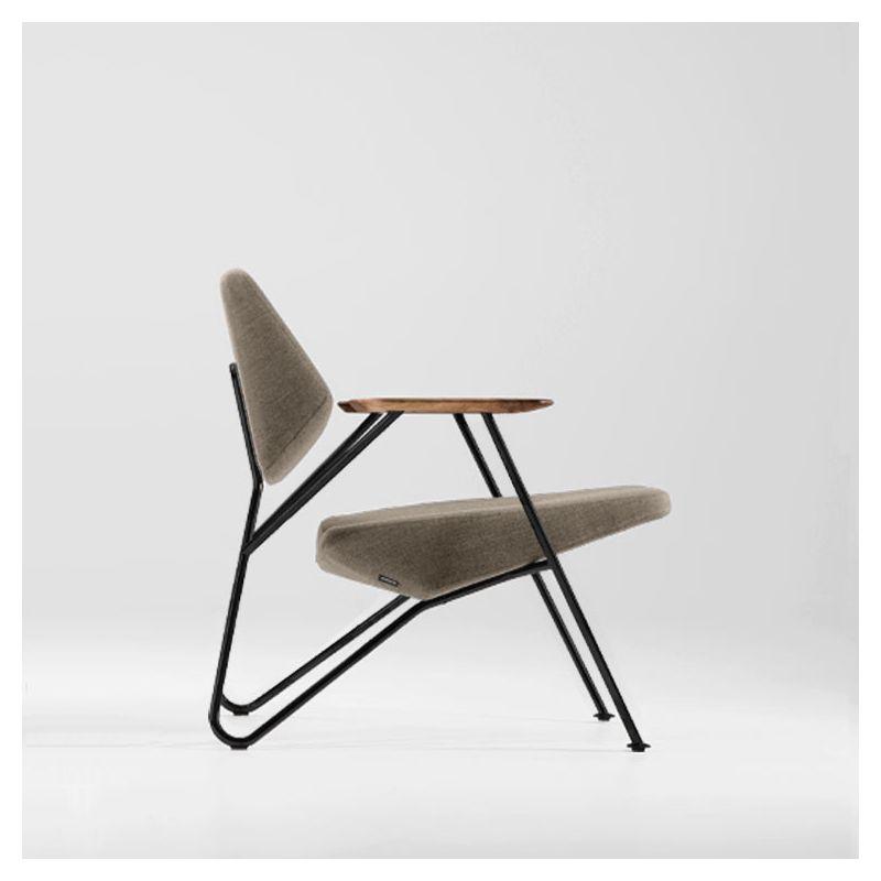 Fauteuil salon design POLYGON Prostoria, tissu beige 56 et pieds noirs