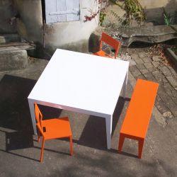 Table carrée blanche ZEF Matière Grise