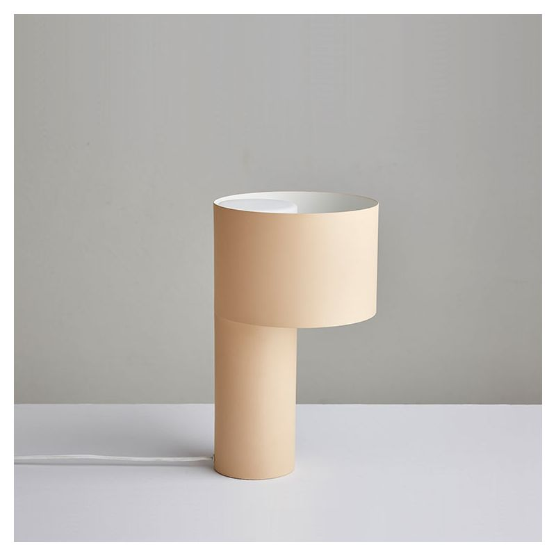 Lampe de table design TANGENT Woud, coloris sable
