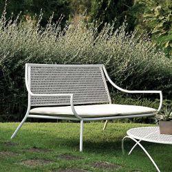 Canapé avec coussin blanc et table basse d'extérieur VERA Emu, coloris blanc