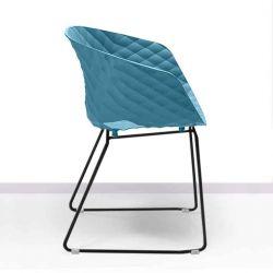 Chaise pieds luge laqués noir, coque bleu poudré 595 VR UNI-KA Et-al